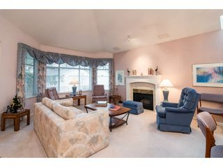 """Photo 2: 114 9208 208 Street in Langley: Walnut Grove Townhouse for sale in """"Churchill Park"""" : MLS®# R2327544"""
