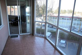 "Photo 10: 307 11881 88 Avenue in Delta: Annieville Condo for sale in ""Kennedy Tower"" (N. Delta)  : MLS®# R2337813"