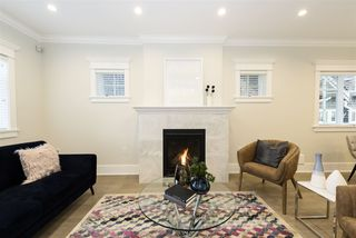 Photo 2: 1842 W 14TH Avenue in Vancouver: Kitsilano House 1/2 Duplex for sale (Vancouver West)  : MLS®# R2345465