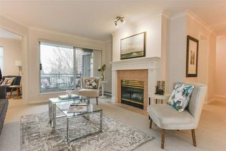 "Photo 4: 202 1144 STRATHAVEN Drive in North Vancouver: Northlands Condo for sale in ""STRATHAVEN"" : MLS®# R2358086"