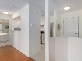 """Photo 9: 312 789 W 16TH Avenue in Vancouver: Fairview VW Condo for sale in """"SIXTEEN WILLOWS"""" (Vancouver West)  : MLS®# R2368634"""