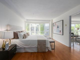 """Photo 16: 312 789 W 16TH Avenue in Vancouver: Fairview VW Condo for sale in """"SIXTEEN WILLOWS"""" (Vancouver West)  : MLS®# R2368634"""