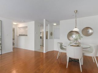 """Photo 8: 312 789 W 16TH Avenue in Vancouver: Fairview VW Condo for sale in """"SIXTEEN WILLOWS"""" (Vancouver West)  : MLS®# R2368634"""