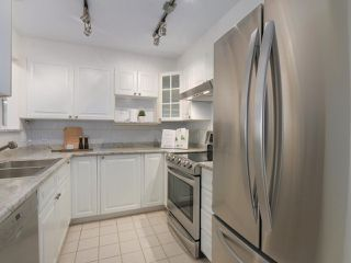 """Photo 10: 312 789 W 16TH Avenue in Vancouver: Fairview VW Condo for sale in """"SIXTEEN WILLOWS"""" (Vancouver West)  : MLS®# R2368634"""