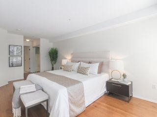 """Photo 17: 312 789 W 16TH Avenue in Vancouver: Fairview VW Condo for sale in """"SIXTEEN WILLOWS"""" (Vancouver West)  : MLS®# R2368634"""