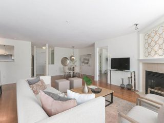 """Photo 5: 312 789 W 16TH Avenue in Vancouver: Fairview VW Condo for sale in """"SIXTEEN WILLOWS"""" (Vancouver West)  : MLS®# R2368634"""