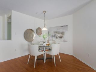 """Photo 7: 312 789 W 16TH Avenue in Vancouver: Fairview VW Condo for sale in """"SIXTEEN WILLOWS"""" (Vancouver West)  : MLS®# R2368634"""