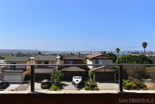 Main Photo: PACIFIC BEACH House for rent : 4 bedrooms : 2409 Geranium St in San Diego