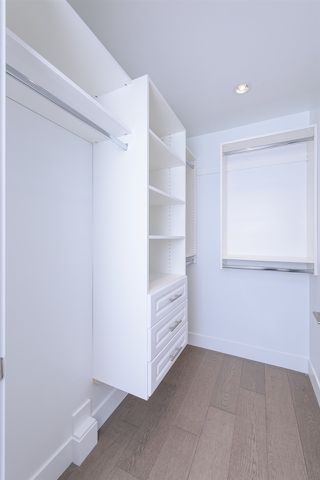 Photo 11: 7250 GLADSTONE Street in Vancouver: Fraserview VE House for sale (Vancouver East)  : MLS®# R2372481