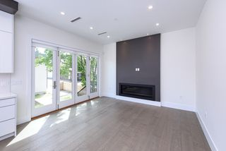 Photo 3: 7250 GLADSTONE Street in Vancouver: Fraserview VE House for sale (Vancouver East)  : MLS®# R2372481