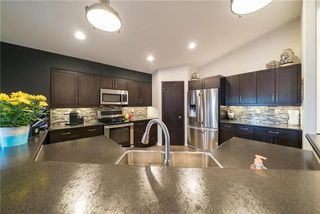 Photo 3: 6 Catfish Creek Cove in Winnipeg: South Pointe Residential for sale (1R)  : MLS®# 1913477