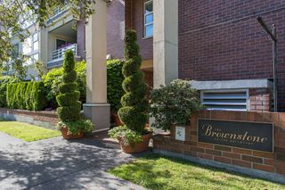 "Photo 15: 410 2105 W 42 Avenue in Vancouver: Kerrisdale Condo for sale in ""THE BROWNSTONE"" (Vancouver West)  : MLS®# R2379794"