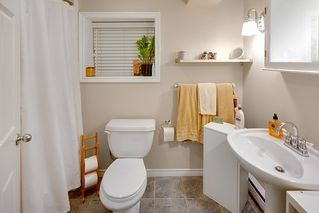 Photo 16: 2086 PARKER Street in Vancouver: Grandview Woodland House for sale (Vancouver East)  : MLS®# R2380539