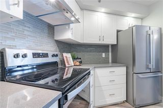 Photo 14: 422 7229 SIERRA MORENA Boulevard SW in Calgary: Signal Hill Apartment for sale : MLS®# C4272380