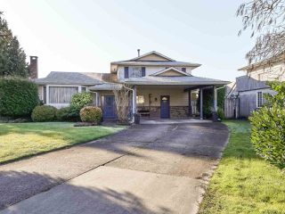 Photo 1: 4880 FORTUNE Avenue in Richmond: Steveston North House for sale : MLS®# R2435063