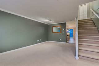 """Photo 5: 31 5388 201A Street in Langley: Langley City Townhouse for sale in """"The Courtyards"""" : MLS®# R2435142"""