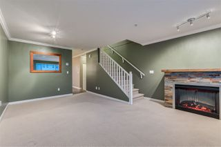 """Photo 2: 31 5388 201A Street in Langley: Langley City Townhouse for sale in """"The Courtyards"""" : MLS®# R2435142"""
