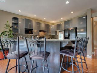 Photo 6: 530 Selwyn Falls Drive in VICTORIA: La Mill Hill Single Family Detached for sale (Langford)  : MLS®# 421173