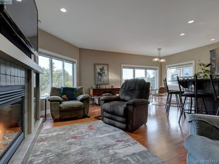 Photo 3: 530 Selwyn Falls Drive in VICTORIA: La Mill Hill Single Family Detached for sale (Langford)  : MLS®# 421173