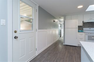 "Photo 3: 32 20071 24 Avenue in Langley: Brookswood Langley Manufactured Home for sale in ""Fernridge Estates"" : MLS®# R2438182"