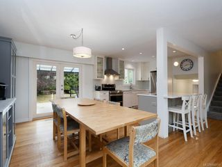 Photo 6: 982 Nicholson St in : SE Lake Hill Single Family Detached for sale (Saanich East)  : MLS®# 850751