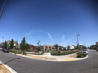 Photo 2: 326 4690 HAWK Lane in Tsawwassen: Tsawwassen North Condo for sale : MLS®# R2483683