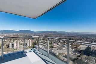 """Photo 11: 3809 6538 NELSON Avenue in Burnaby: Metrotown Condo for sale in """"MET2"""" (Burnaby South)  : MLS®# R2492564"""