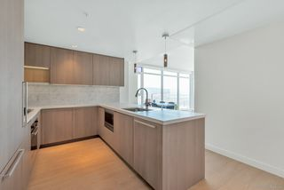 """Photo 3: 3809 6538 NELSON Avenue in Burnaby: Metrotown Condo for sale in """"MET2"""" (Burnaby South)  : MLS®# R2492564"""
