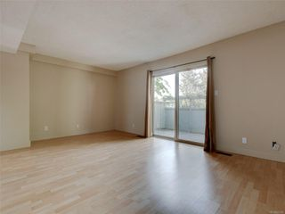 Photo 3: 17 4061 Larchwood Dr in : SE Lambrick Park Row/Townhouse for sale (Saanich East)  : MLS®# 855304