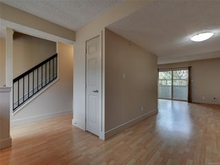Photo 6: 17 4061 Larchwood Dr in : SE Lambrick Park Row/Townhouse for sale (Saanich East)  : MLS®# 855304