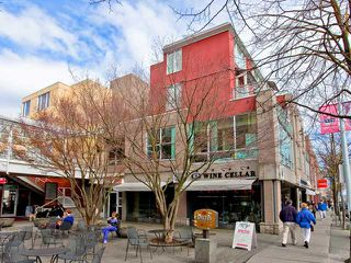 "Photo 1: 312 2255 W 4TH Avenue in Vancouver: Kitsilano Condo for sale in ""CAPERS"" (Vancouver West)  : MLS®# V883217"