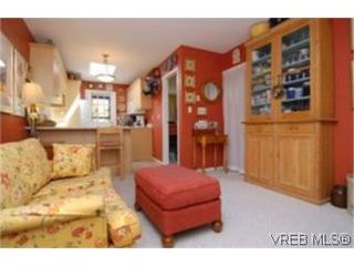 Photo 7:  in VICTORIA: SE Mt Doug Row/Townhouse for sale (Saanich East)  : MLS®# 477417