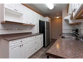 """Photo 4: 302 1103 HOWIE Avenue in Coquitlam: Central Coquitlam Condo for sale in """"THE WILLOWS"""" : MLS®# V916675"""