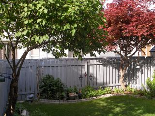 Photo 2: 20 2564 Sandpiper Drive in Kamloops: Westsyse Townhouse for sale