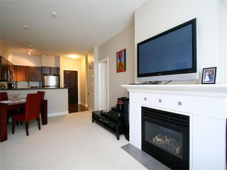 Photo 4: 205 2330 WILSON Avenue in Port Coquitlam: Central Pt Coquitlam Condo for sale : MLS®# V1061909