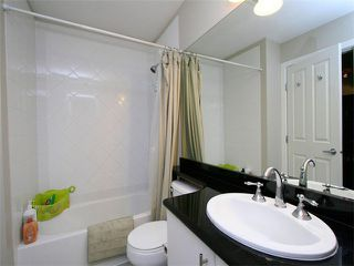 Photo 12: 205 2330 WILSON Avenue in Port Coquitlam: Central Pt Coquitlam Condo for sale : MLS®# V1061909