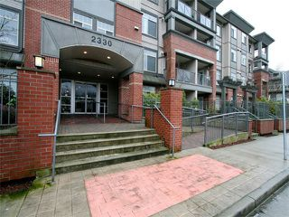 Photo 1: 205 2330 WILSON Avenue in Port Coquitlam: Central Pt Coquitlam Condo for sale : MLS®# V1061909
