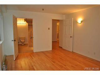 Photo 4: 101 1110 Oscar Street in VICTORIA: Vi Fairfield West Condo Apartment for sale (Victoria)  : MLS®# 343574