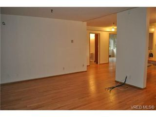 Photo 10: 101 1110 Oscar Street in VICTORIA: Vi Fairfield West Condo Apartment for sale (Victoria)  : MLS®# 343574