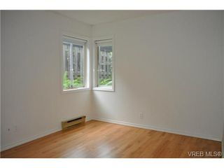 Photo 9: 101 1110 Oscar Street in VICTORIA: Vi Fairfield West Condo Apartment for sale (Victoria)  : MLS®# 343574