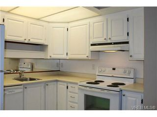 Photo 5: 206 2341 Harbour Rd in SIDNEY: Si Sidney North-East Row/Townhouse for sale (Sidney)  : MLS®# 690395