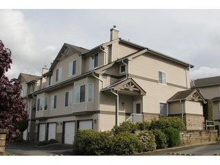 "Photo 1: 32 20750 TELEGRAPH Trail in Langley: Walnut Grove Townhouse for sale in ""Heritage Glen"" : MLS®# F1439610"