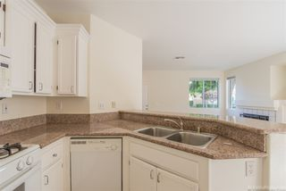 Photo 7: CHULA VISTA House for sale : 3 bedrooms : 940 Caminito Estrella