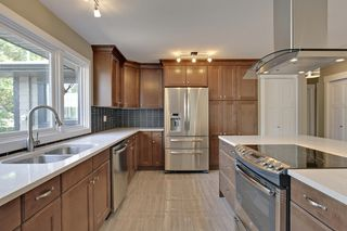 Photo 6: 10655 Mapleglen Cres SE in Calgary: House for sale : MLS®# C3626899