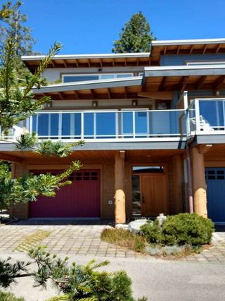 "Photo 2:  in Sechelt: Sechelt District Townhouse for sale in ""WAKEFIELD BEACH LANE - WATERFRONT"" (Sunshine Coast)  : MLS®# R2178419"