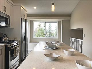 Photo 3: 41 RIVERGLEN Close SE in Calgary: Riverbend House for sale : MLS®# C4139283