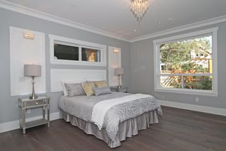 Photo 15: 1066 STEVENS STREET in South Surrey White Rock: Home for sale : MLS®# R2009880
