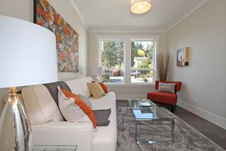 Photo 12: 1066 STEVENS STREET in South Surrey White Rock: Home for sale : MLS®# R2009880