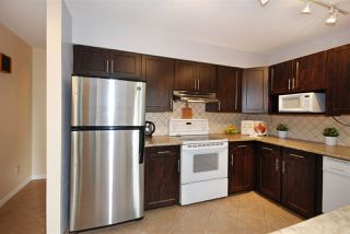 Photo 7: 922 DELESTRE Avenue in Coquitlam: Maillardville House 1/2 Duplex for sale : MLS®# R2213681