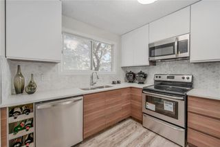 Photo 1: #26 287 SOUTHAMPTON DR SW in Calgary: Southwood House for sale : MLS®# C4128431